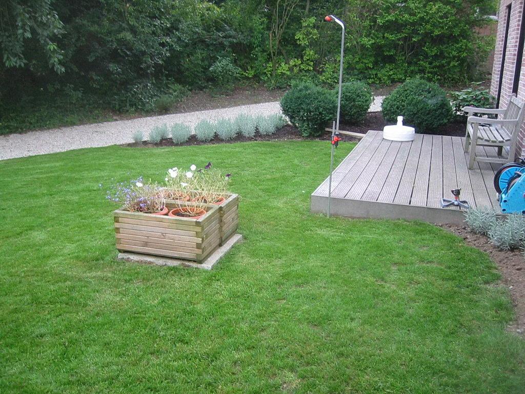 R alisation de jardin pi ces d 39 eau parterre terrasse for Pose de gravier jardin